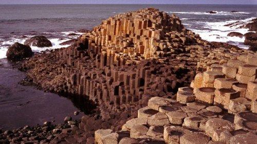 اکتشاف سنگهای تزئینی ( نما) با استفاده از موقعیت جغرافیایی